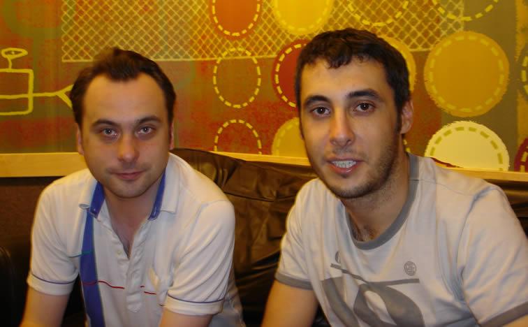 Ο Γιώργος Θεοφανόπουλος με τον chief editor του περιοδικού Bluff