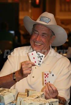 Ο Ντόϋλ Μπράνσον είναι ένας ζωντανός θρύλος του πόκερ.