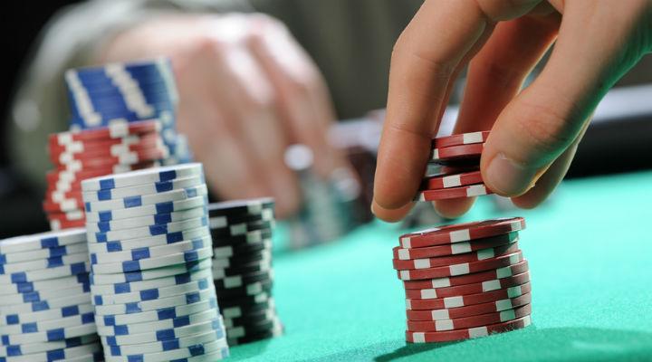 Μελετώντας σωστά το παιχνίδι του πόκερ